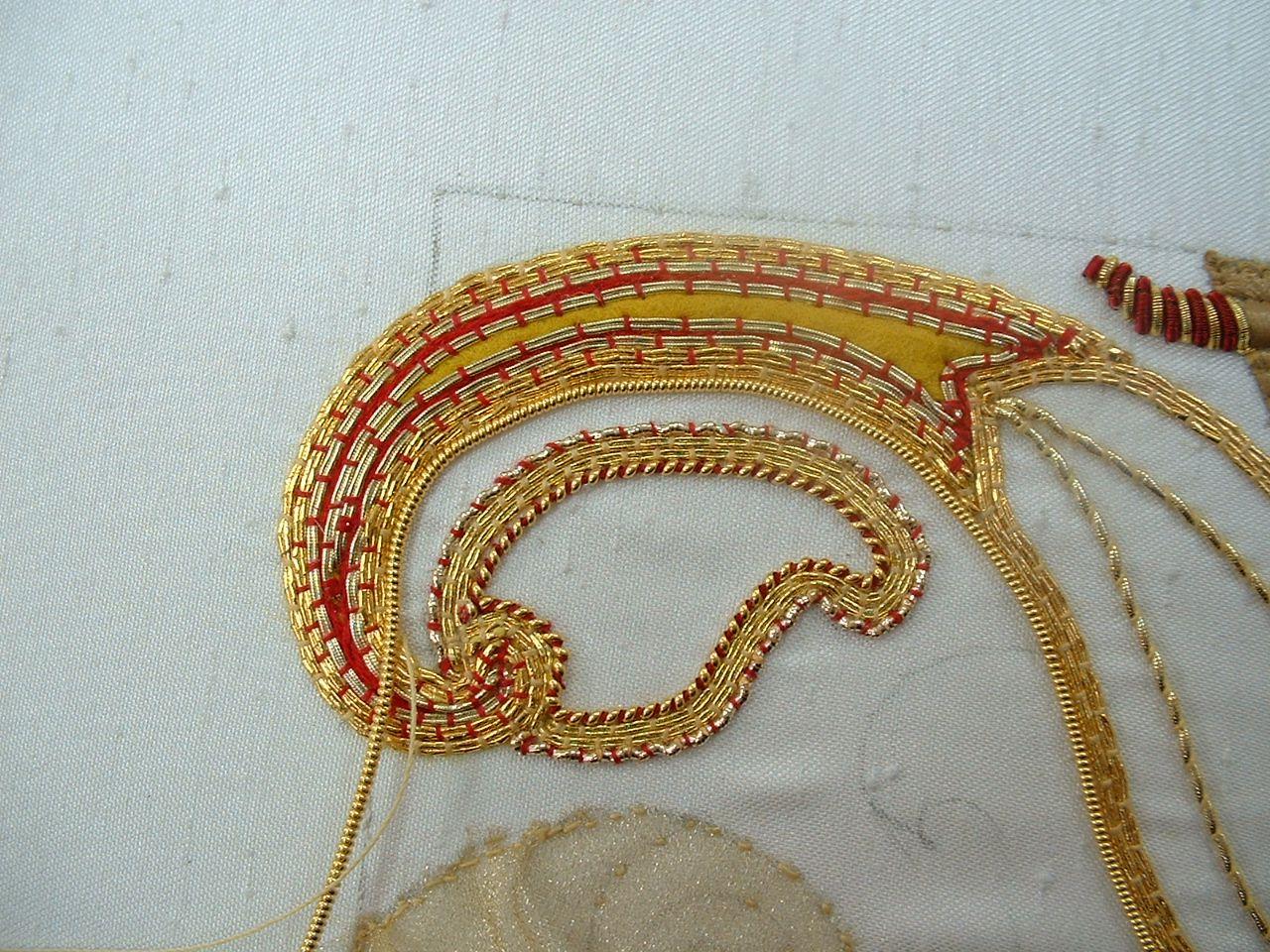 Goldstickerei on pinterest gold embroidery